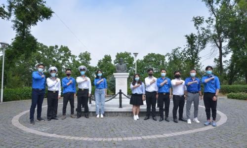 Liên chi đoàn thành phố Vladivostok gửi thông điệp động viên chống dịch